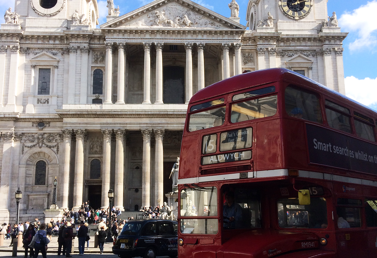 bus old st pauls cathedral london