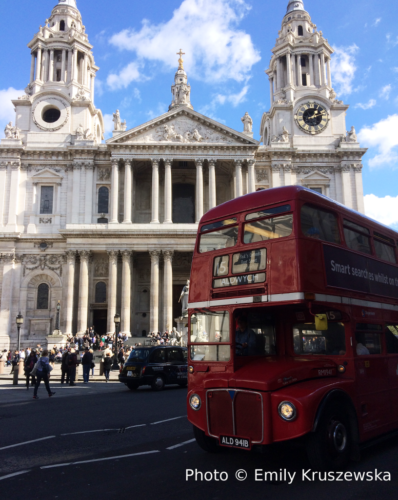 bus old st pauls cathedral